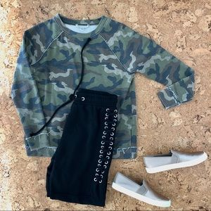 American Eagle Outfitters Camo Sweatshirt,sz Small